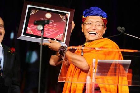Duc Phap Vuong Nhan Giai Thuong Quoc Te