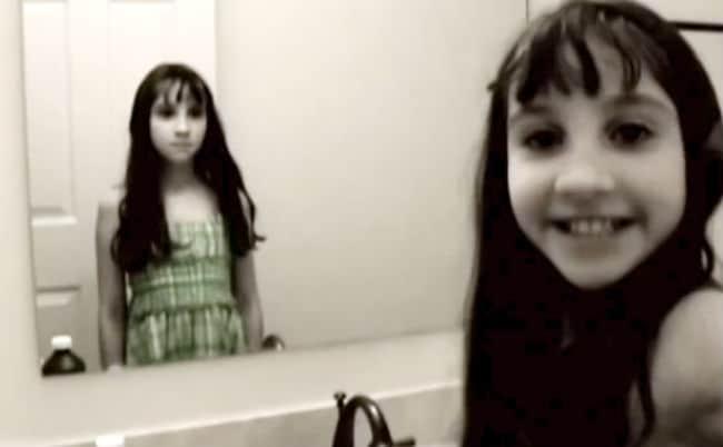 hội chứng capgras là ảo giác thấy người lạ trong gương