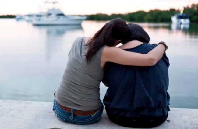 làm thế nào để giúp ai đó đang đau buồn