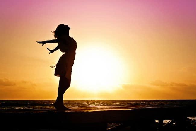bí quyết để sống hạnh phúc hơn mỗi ngày