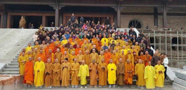 các tu sĩ phật giáo khảo sát nơi diễn ra đại lễ phật đản liên hợp quốc 2019