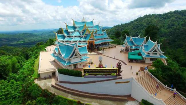pa phukon ngôi chùa đẹp nhất vùng đông bắc thái lan 2