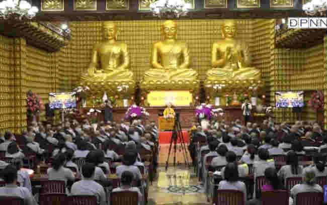 thầy thích nhật từ hướng dẫn cách thực tập thiền tứ niệm xứ trong buổi vấn đáp phật pháp tại chùa giác ngộ