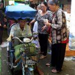 Chùa Hương Nghiêm tặng quà đến người khuyết tật