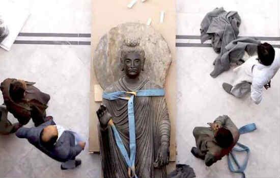 pakistan cho bảo tàng thụy sĩ mượn tượng phật 2000 năm tuổi