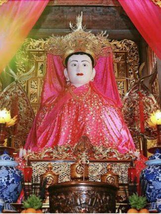 tượng thánh mẫu liễu hạnh trong tín ngưỡng tứ phủ và tứ bất tử